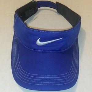 NIKE Golf viser Blue and White